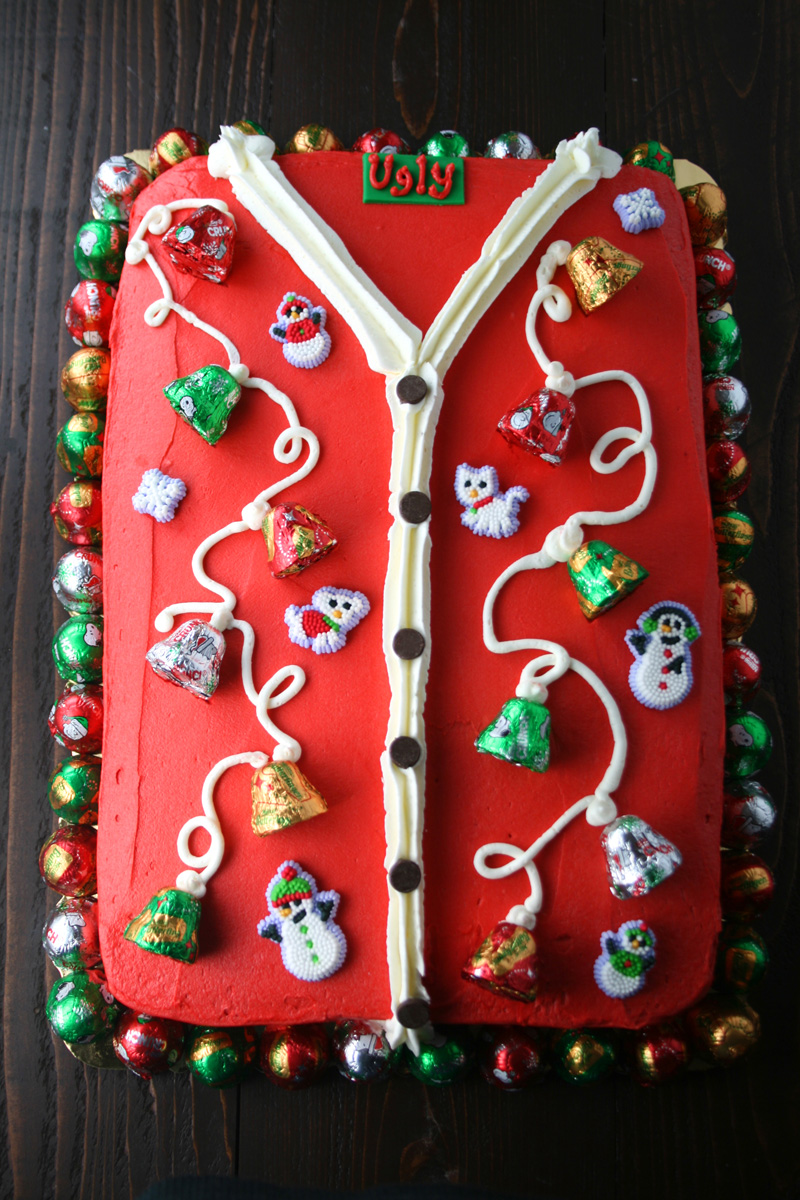 ugly-sweater-cake-3