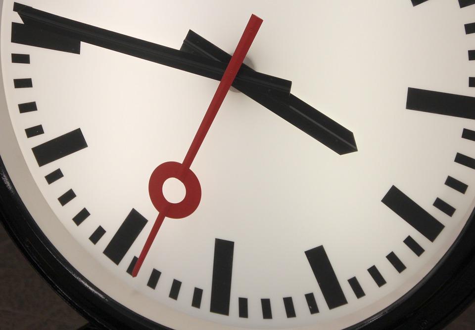 clock-89454_960_720